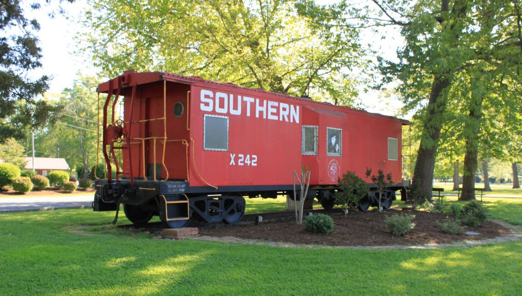 Vehicle - Rail - Rolling Stock (Freight) - Caboose - Bay Window