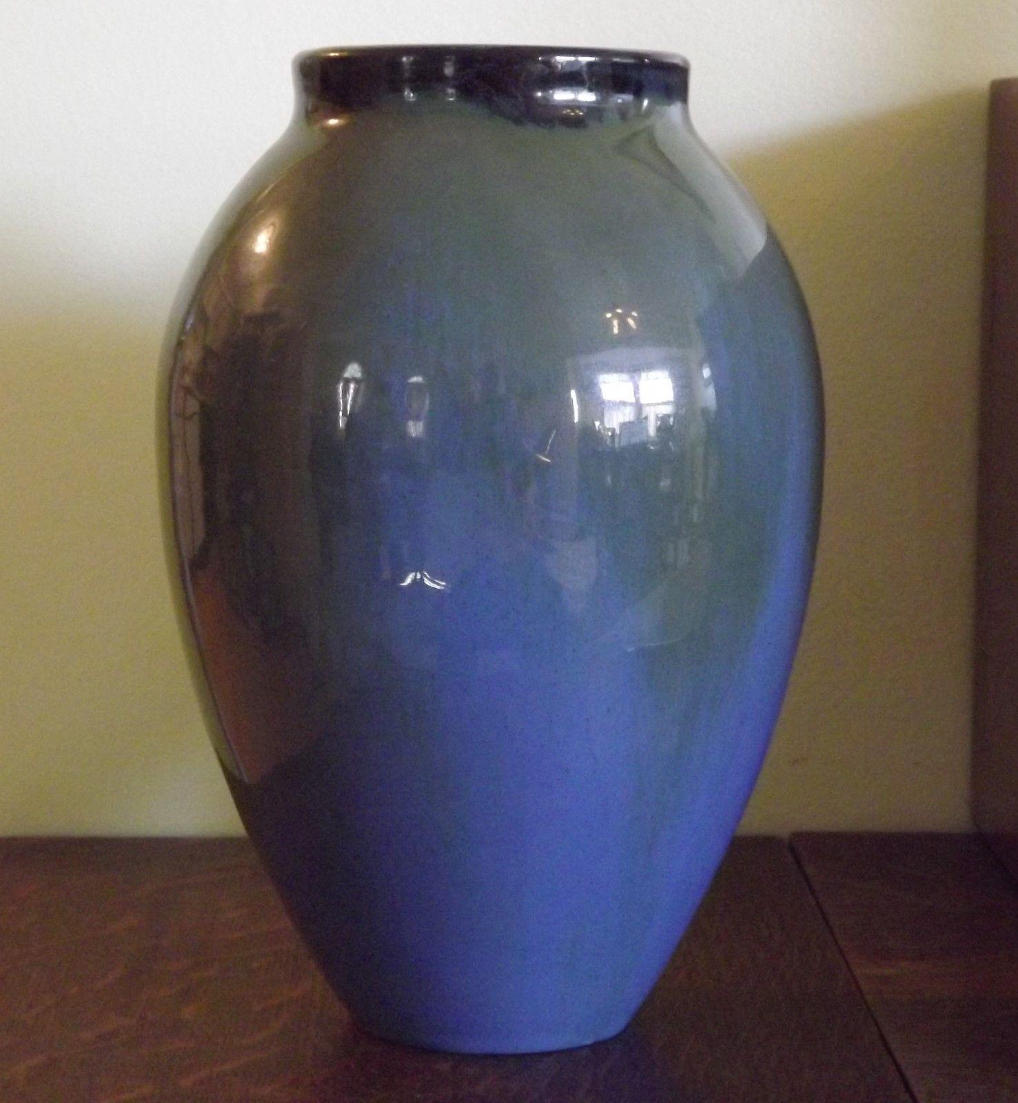 Fulper Pottery - Oblong Vase - Blue, Sea
