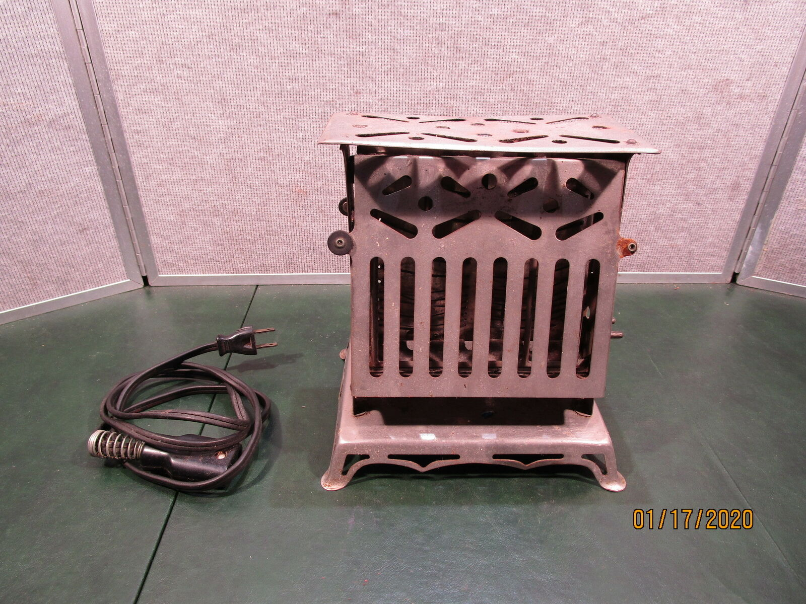 Antique Toaster - Marian Giant Flipflop
