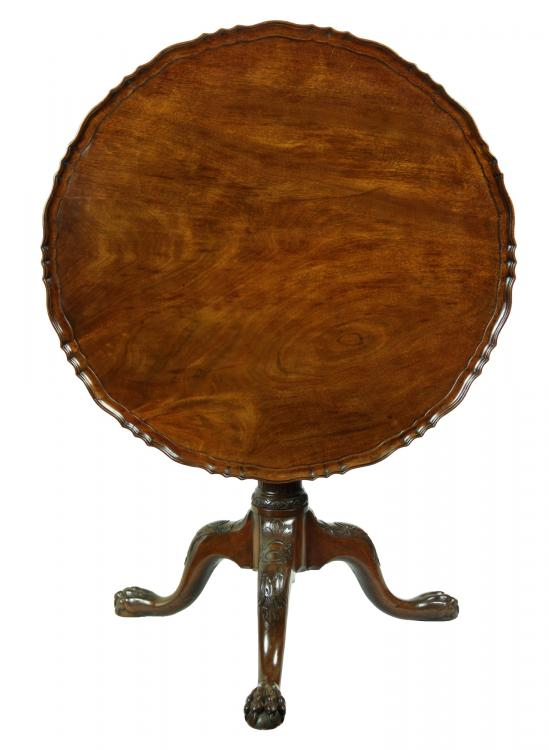Chippendale Style - c. 1780 - Tilt Top Table - Mahogany