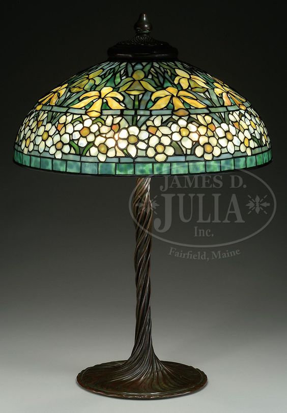 Lamp - Tiffany - Jonquil-Daffodil Shade on Lily Stem Base
