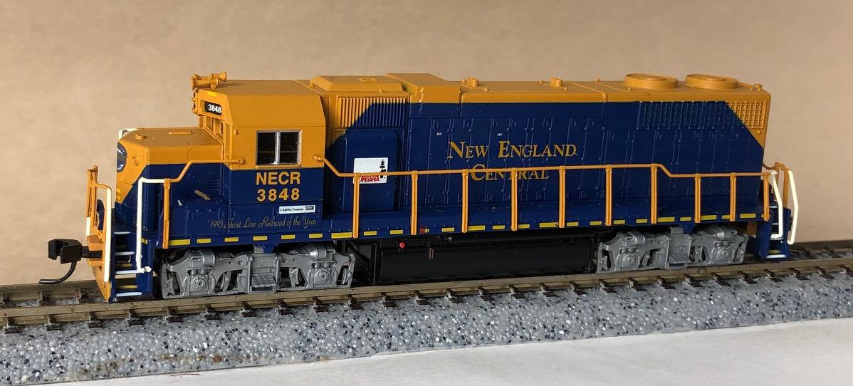 N Scale - Atlas - 49832 - Locomotive, Diesel, EMD GP38 - Frisco - 636