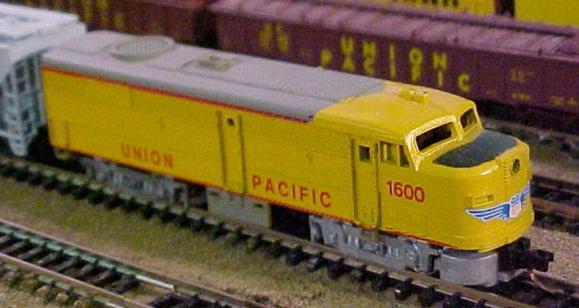N Scale - Arnold - 0274B - Locomotive, Diesel, Alco FA/FB - Penn Central - 274