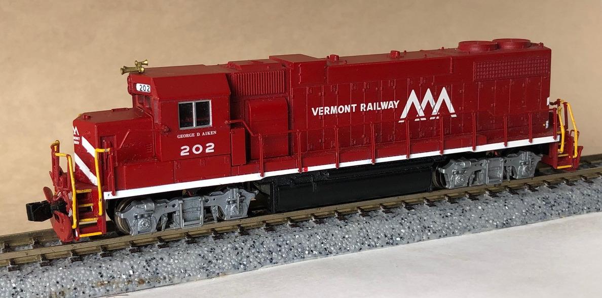 N Scale - Atlas - 47674 - Locomotive, Diesel, EMD GP38-2 - Canadian National - 4925
