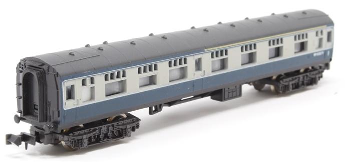 N Scale - Lima - 320352 - Passenger Car, British Rail, Mark 1 Coach - British Rail - S 33485