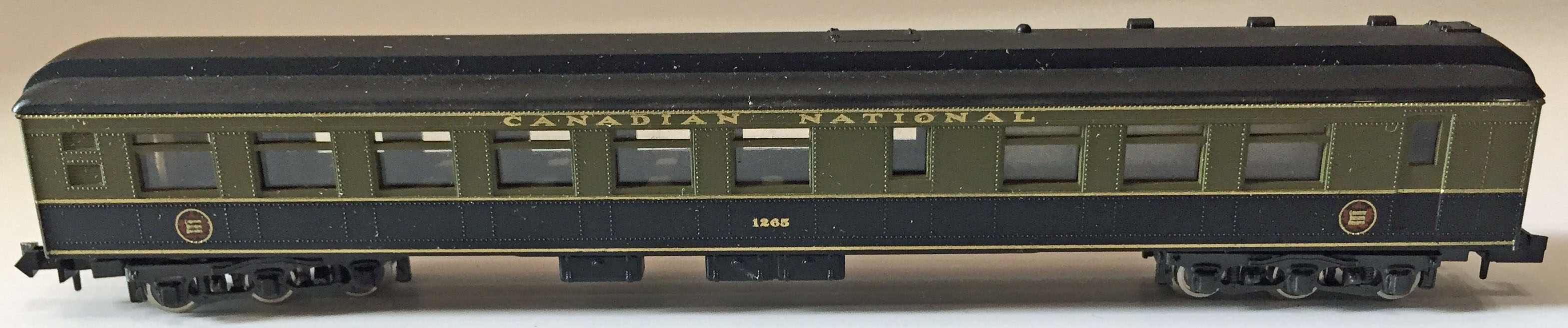 N Scale - Rivarossi - Unknown 1265 - Passenger Car, Heavyweight, Diner - Canadian National - 1265