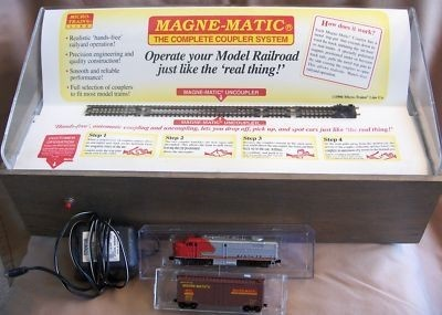 N Scale - Micro-Trains - 80S - Promotional, Display - Santa Fe