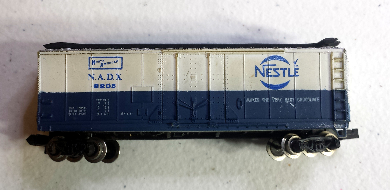 N Scale - Bachmann - 5001 - Reefer, 40 Foot, Steel - North American Despatch - 8205