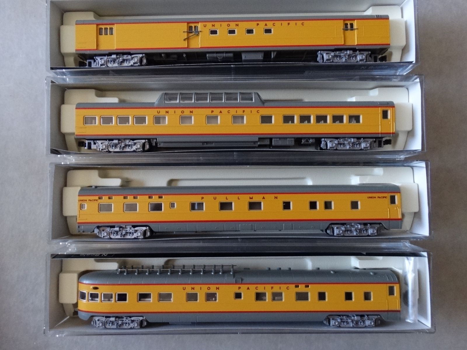 N Scale - Kato USA - 106-1055 - Union Pacific Smoothside Passenger Car 4-Car Set B - Union Pacific - (Unnumbered) RPO, Sleeper, Dome, Observation