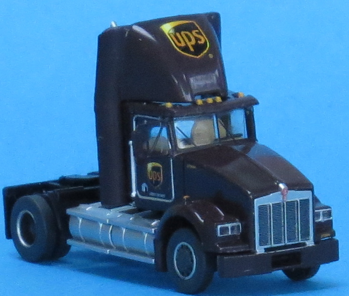 N Scale - Trainworx - 48044-04 - Truck, Semi Tractor, Single Axle, Day Cab, Kenworth, T800 LNG - United Parcel Service - 272667