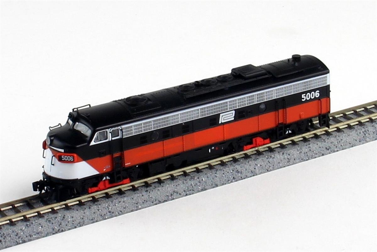 N Scale - Rapido Trains - 15527 - Locomotive, Diesel, EMD FL9 - Penn Central - 5006