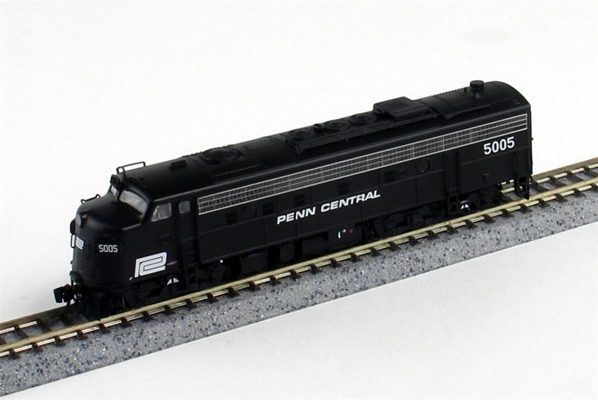 N Scale - Rapido Trains - 15032 - Locomotive, Diesel, EMD FL9 - Penn Central - 5015