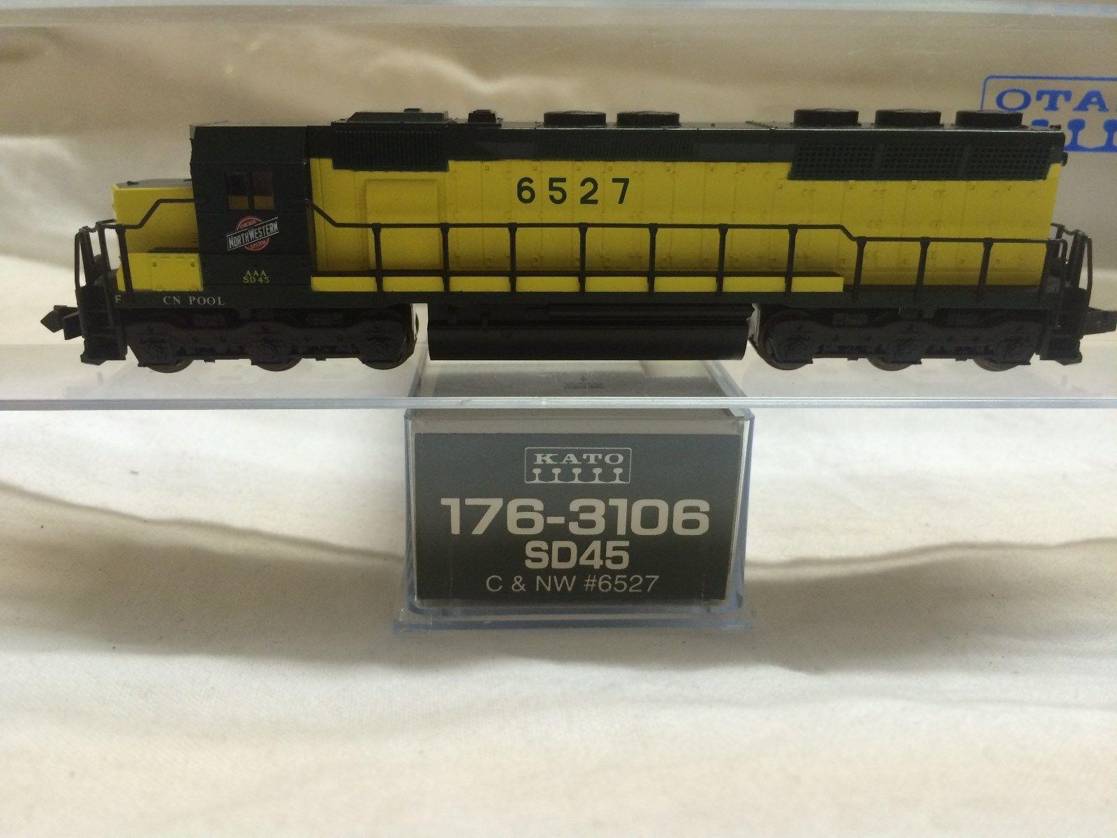 N Scale - Kato USA - 176-3106 - Locomotive, Diesel, EMD SD45 - Chicago & North Western - 6527
