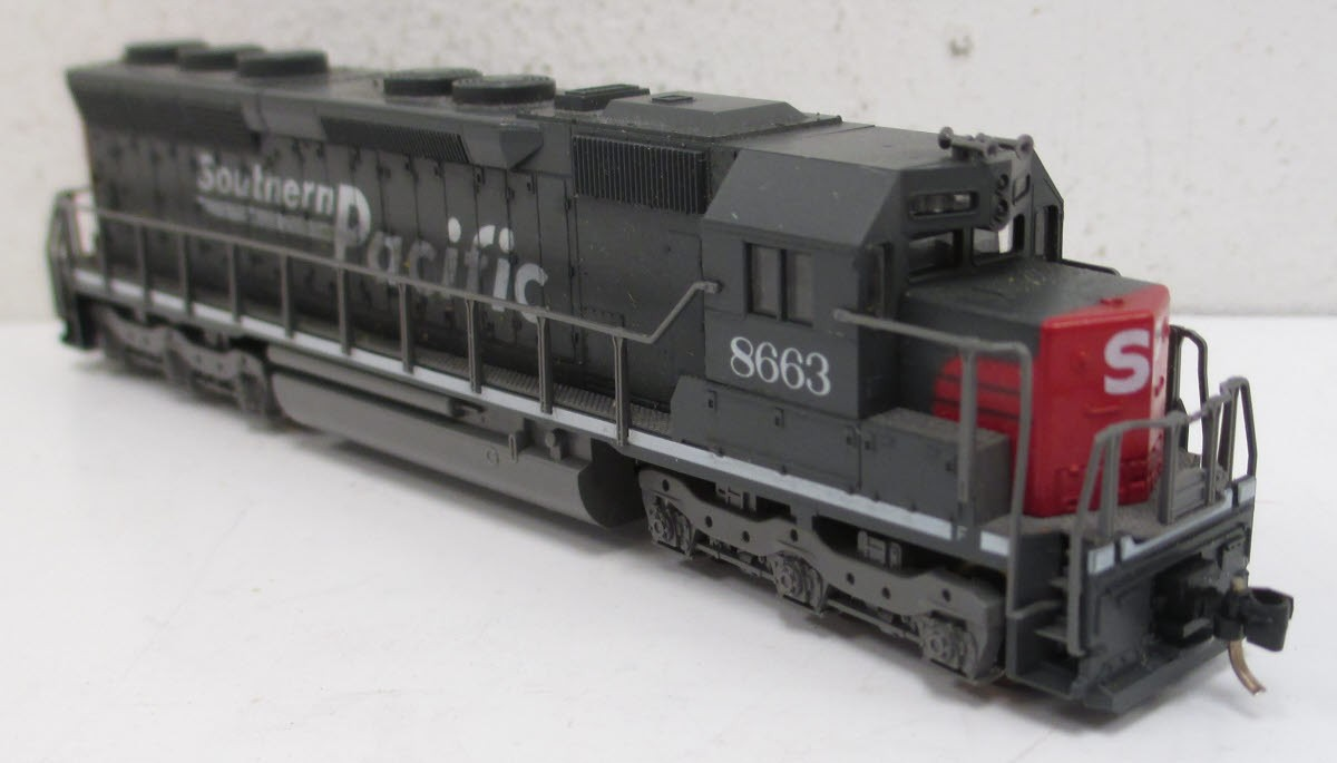 N Scale - Kato USA - 176-3116 - Locomotive, Diesel, EMD SD45 - Southern Pacific - 8663
