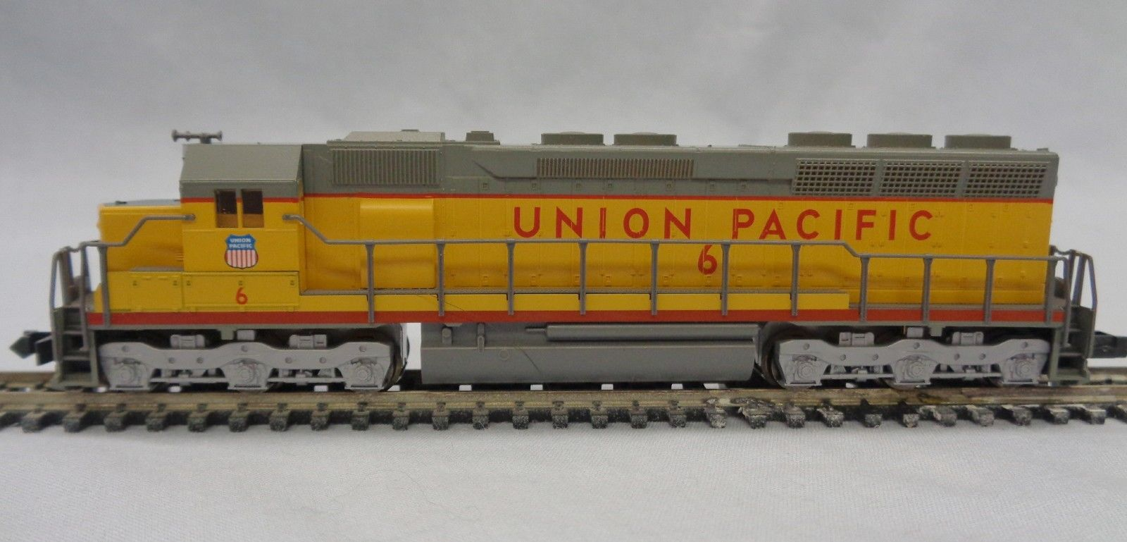 N Scale - Kato USA - 176-3118 - Locomotive, Diesel, EMD SD45 - Union Pacific - 6
