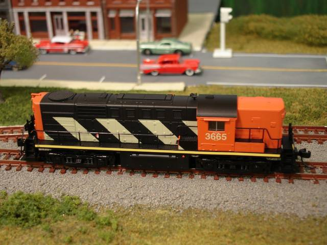N Scale - True Line Trains - 800058 - Locomotive, Diesel, MLW RS-18 - Canadian National - 3665