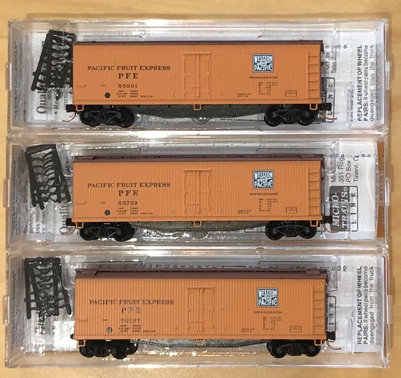 N Scale - Micro-Trains - NSC 06-102 - Reefer, Ice, Wood - Pacific Fruit Express - 3-Pack