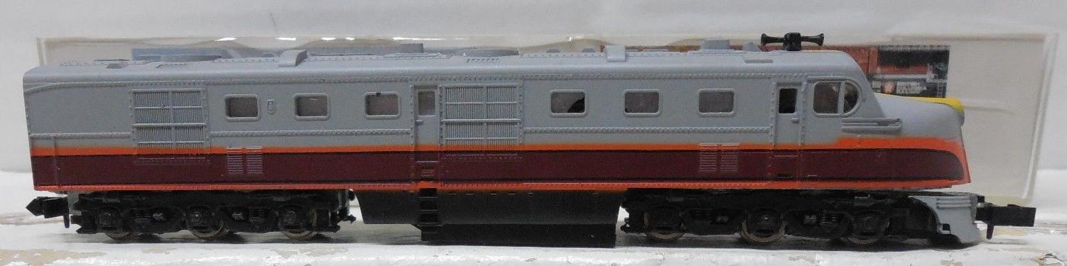 N Scale - Con-Cor - 0001-002405 - Locomotive, Diesel, Alco DL-109 - Milwaukee Road - 14A