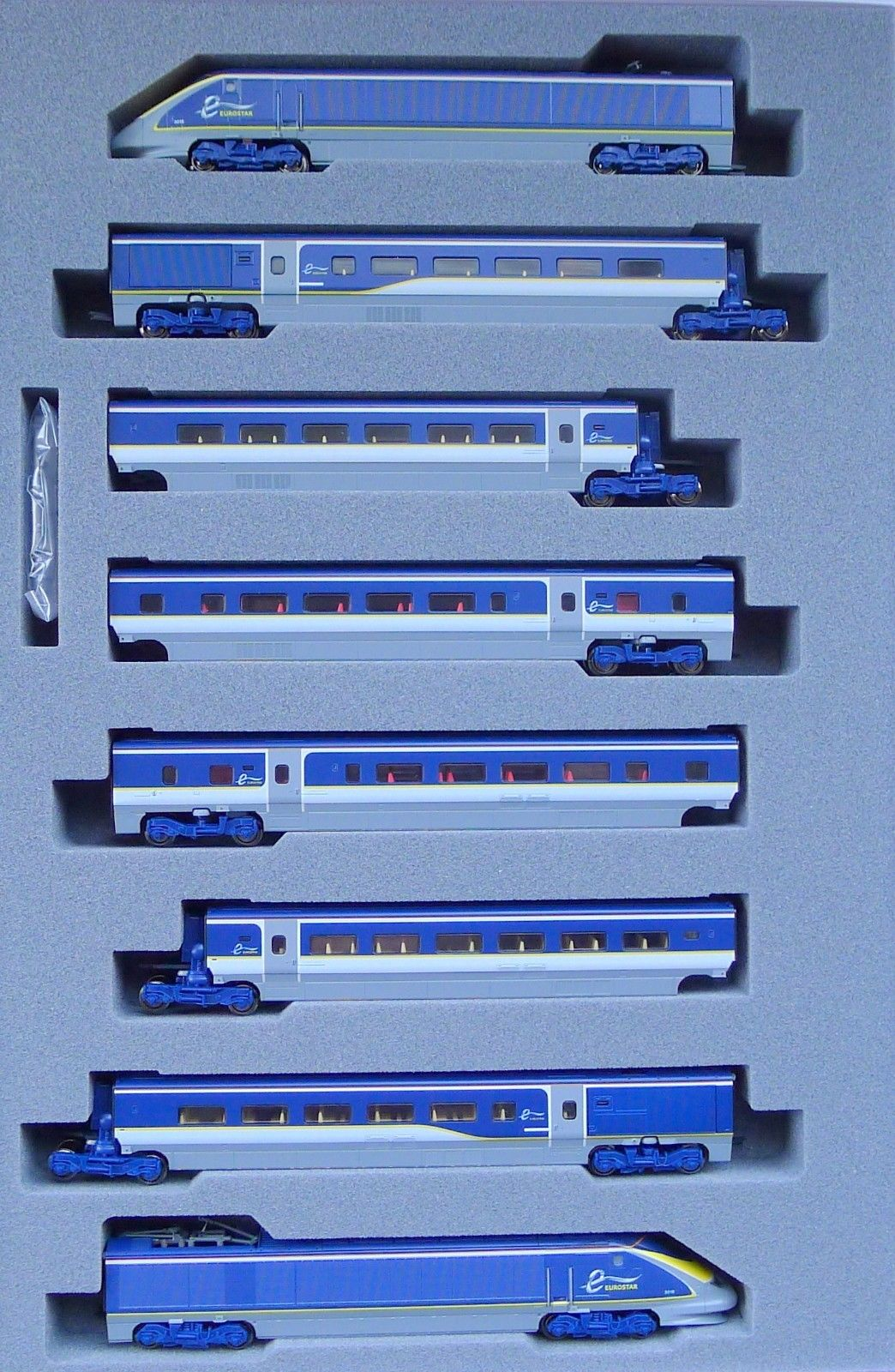 N Scale - Kato Lemke - 10-1297 - Passenger Train, Electric, TGV - Eurostar - 3015, 3016