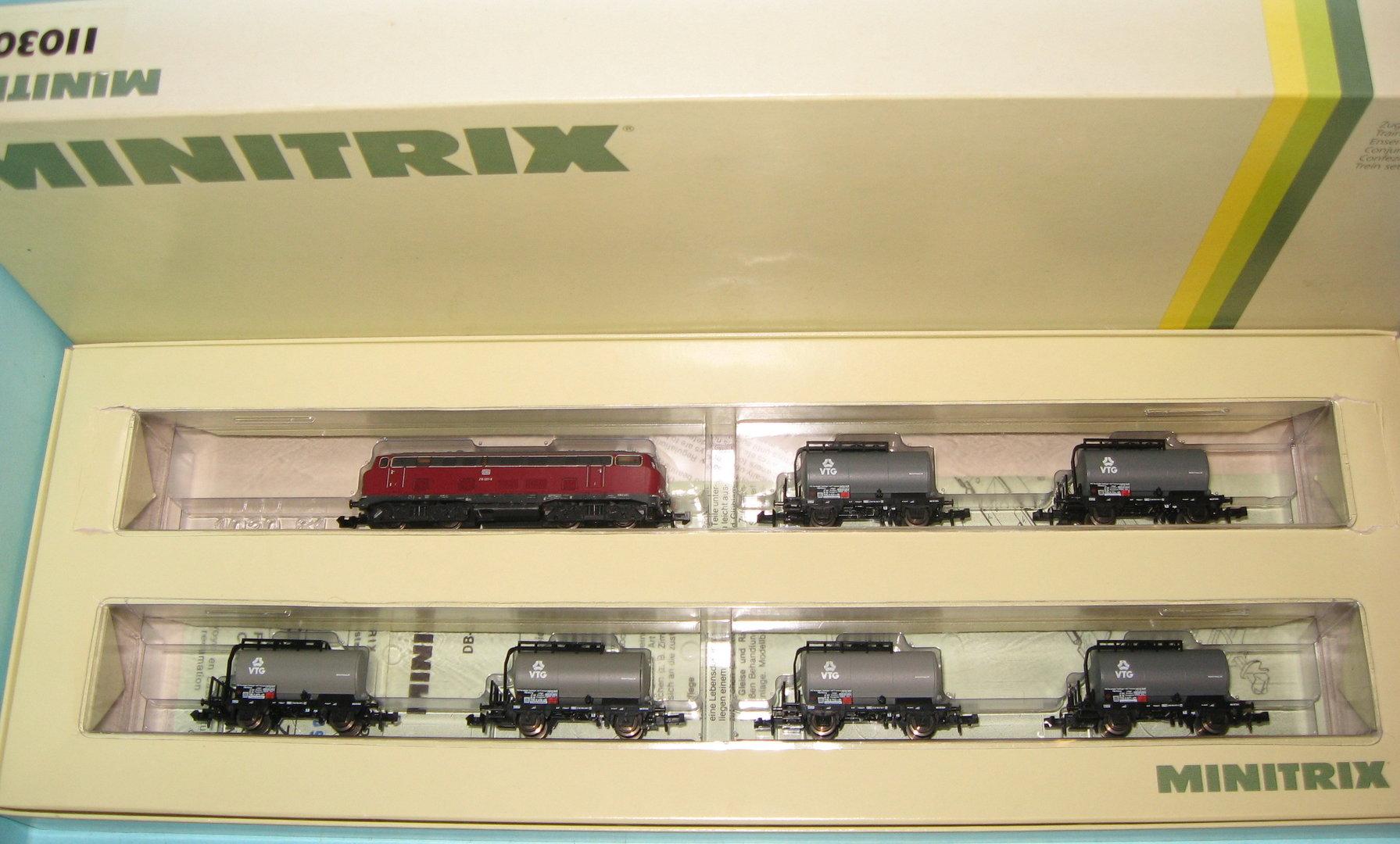 N Scale - Minitrix - 11030 - 7-Unit Freight Set with V 160 - Deutsche Bahn