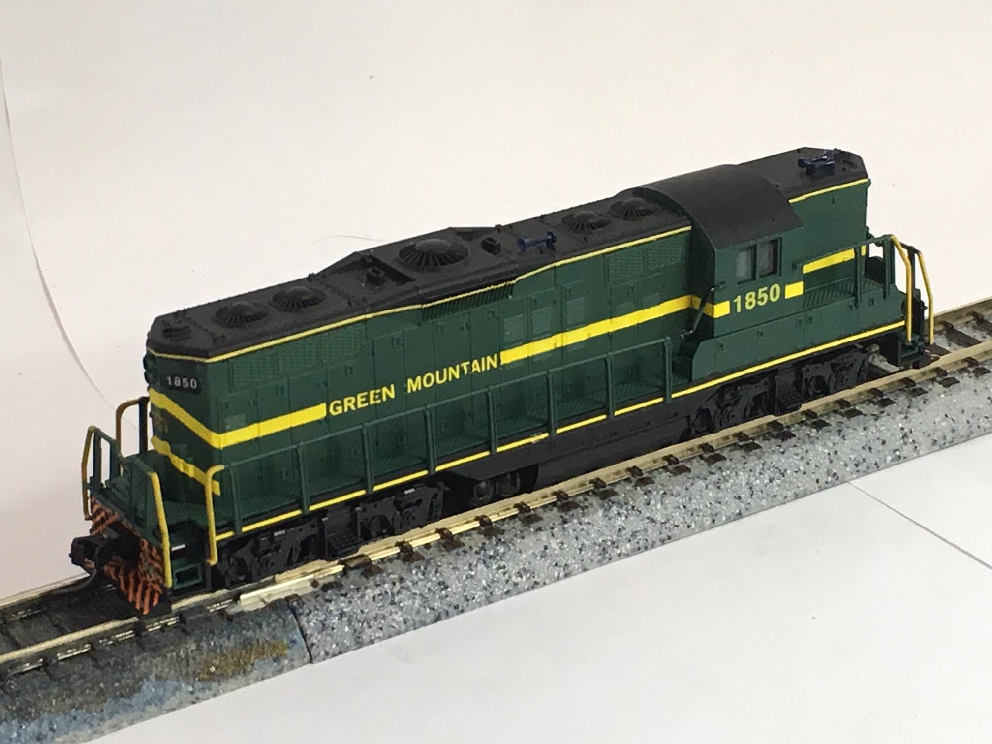 N Scale - Dream Designs - DDGMRC1850 - Locomotive, Diesel, EMD GP9 - Green Mountain - 1850