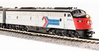 N Scale - Broadway Limited - 3241 - Locomotive, Diesel, EMD E8 - Amtrak - 327