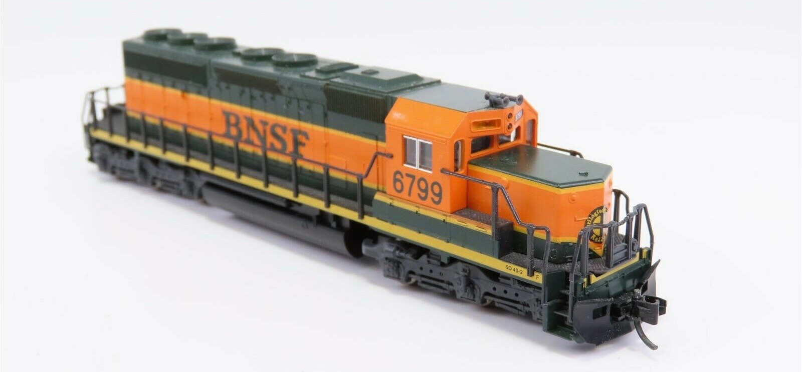 N Scale - Kato USA - 176-4901 - Locomotive, Diesel, EMD SD40-2 - Burlington Northern Santa Fe - 6799