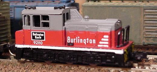 N Scale - Model Power - 7582 - Locomotive, Diesel, Plymouth WDT - Burlington Route - 9280