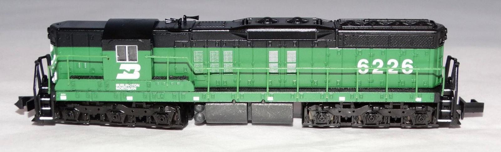 N Scale - Life-Like - 7739 - Locomotive, Diesel, EMD SD7 - Burlington Northern - 6226