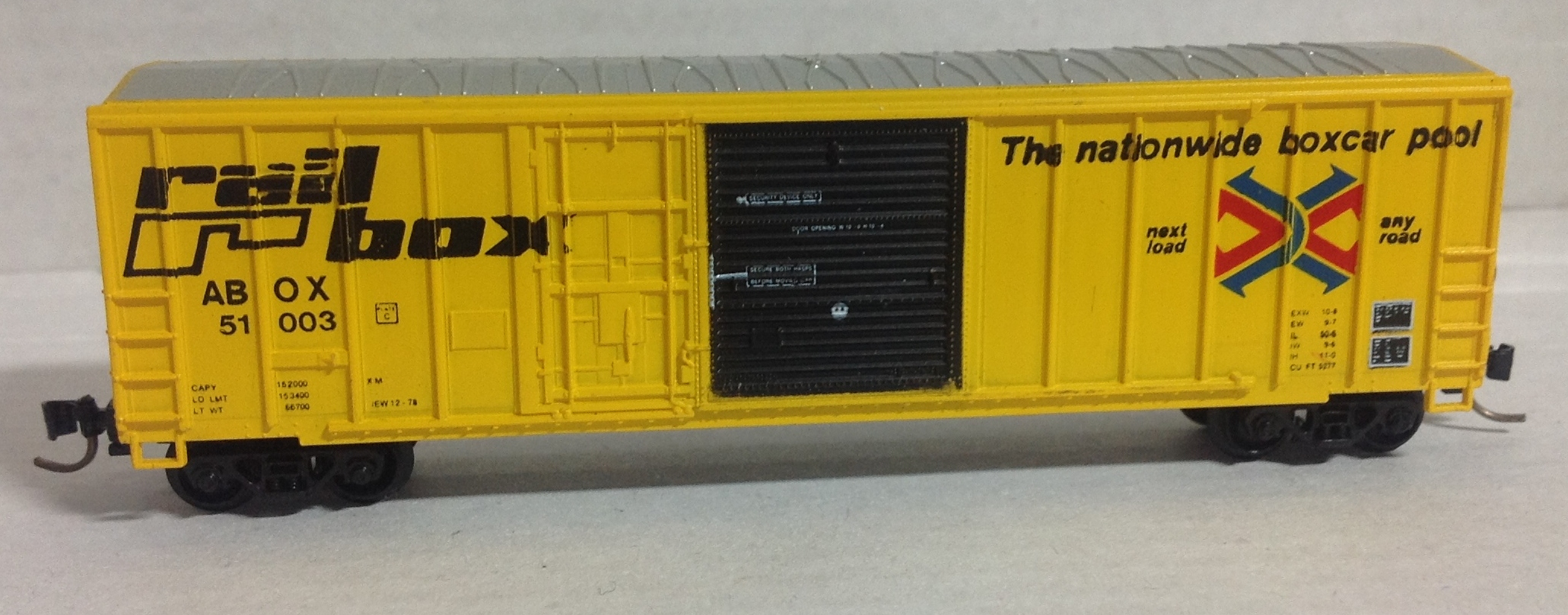 N Scale - Roundhouse - 8231 - Boxcar, 50 Foot, FMC, 5077 - RailBox - 51939