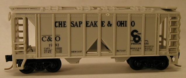 N Scale - V-Line - CO1992 - Covered Hopper, 2-Bay, ACF 36 Foot - Chesapeake & Ohio - 1992