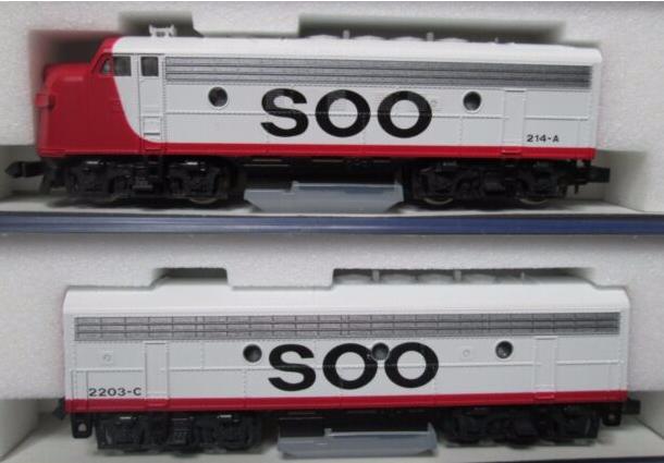 N Scale - Kato USA - 106-0403 - Locomotive, Diesel, EMD F7 - SOO Line - 214A, 2203-C