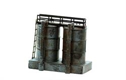 N Scale - Model Tech Studios - FN401P - Small Oil Tanks - Painted/Unlettered