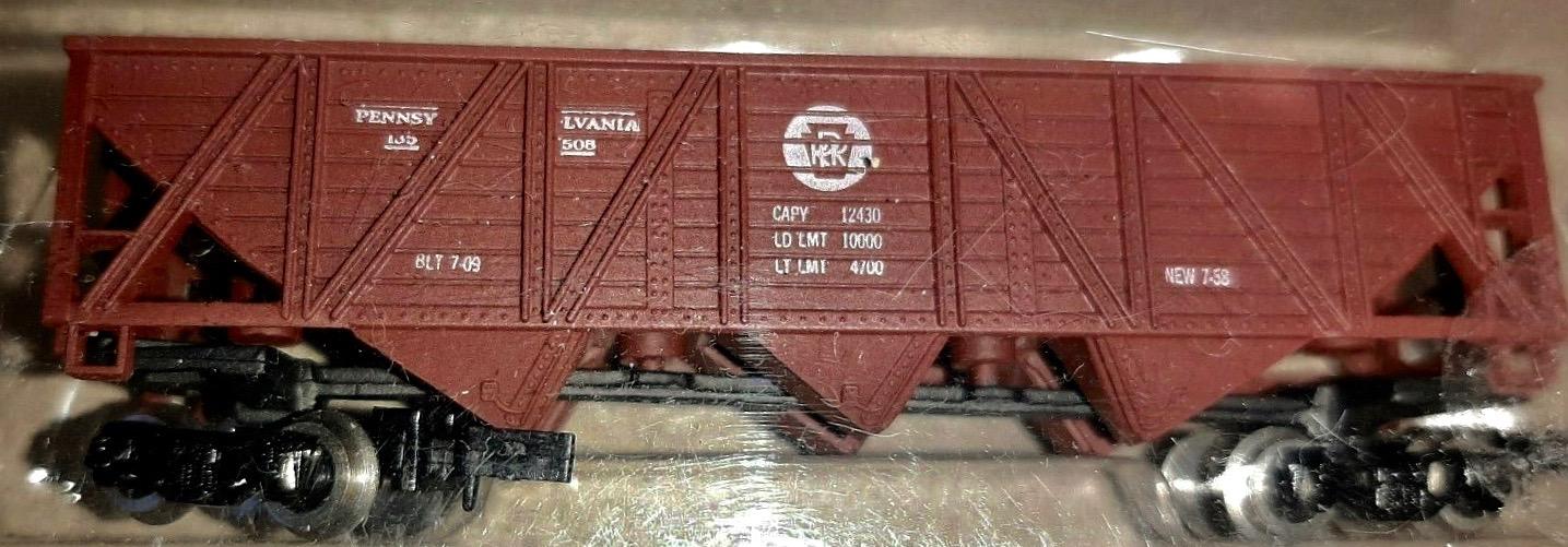 N Scale - Con-Cor - 1661D - Open Hopper, 3-Bay Composite - Pennsylvania