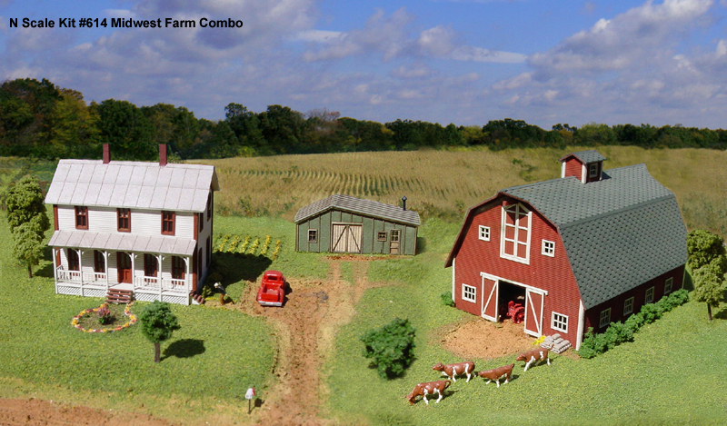 N Scale - American Model Builders - 614 - Group of Farm Buildings - Undecorated