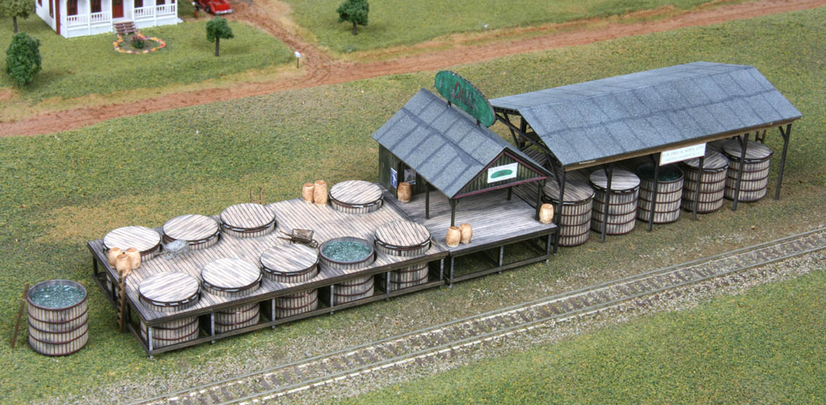 N Scale - American Model Builders - 625 - Old Time Pickle Factory - Undecorated