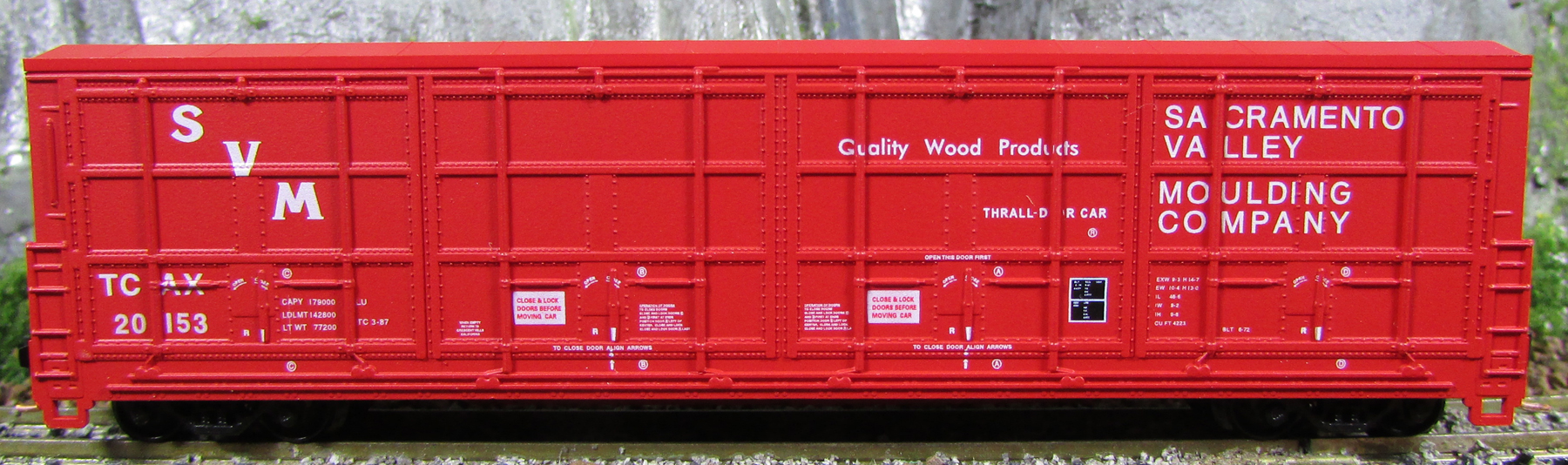 N Scale - Red Caboose - RN-17403-02 - Boxcar, 55 Foot, Thrall All-Door - Sacramento Valley Moulding - 20153