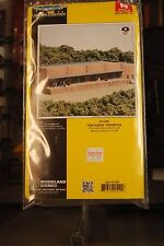 N Scale - Design Preservation Models - 51000 - Single story brick warehouse with loading dock - Undecorated