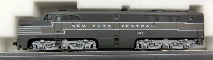 N Scale - Kato USA - 176-4006 - Locomotive, Diesel, Alco PA/PB - New York Central - 4200