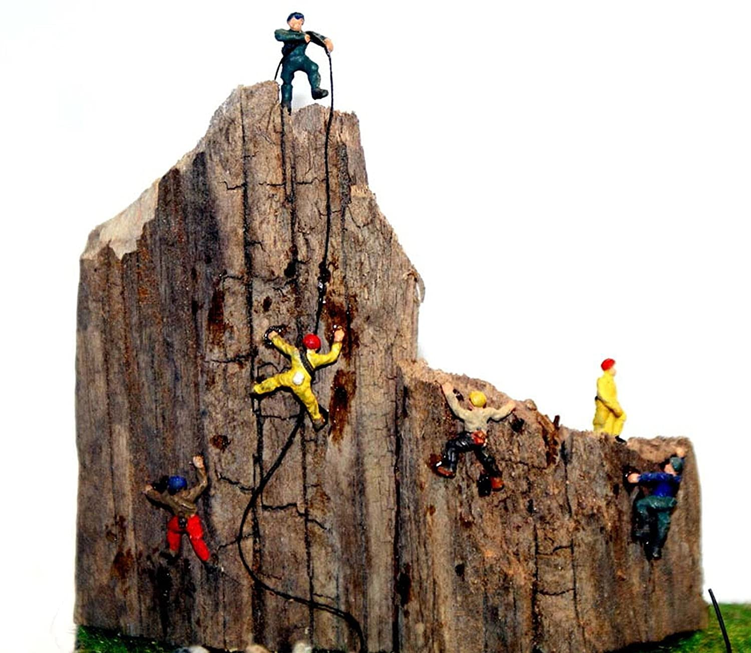 N Scale - Langley - A104 - Rock Climbers - People