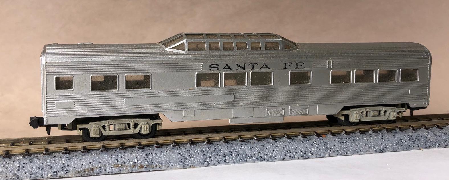 N Scale - Arnold - 0353S - Passenger Car, Lightweight, Corrugated - Santa Fe - 351