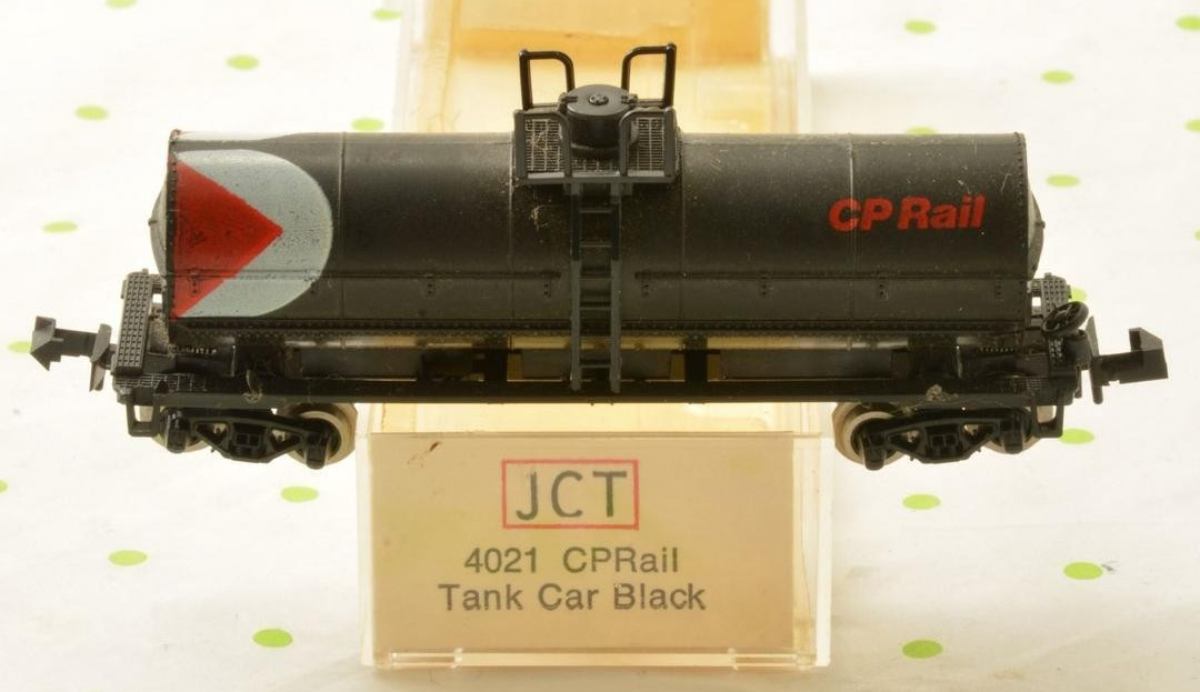 N Scale - JC Timmer - 4021 - Tank Car, Single Dome, 39 Foot - Canadian Pacific