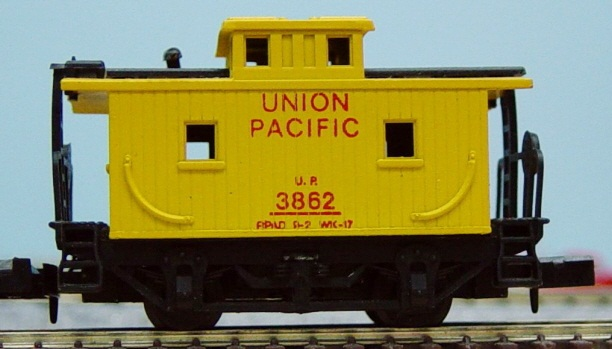 N Scale - Arnold - UNKNOWN - Caboose, Bobber - Union Pacific - 3862