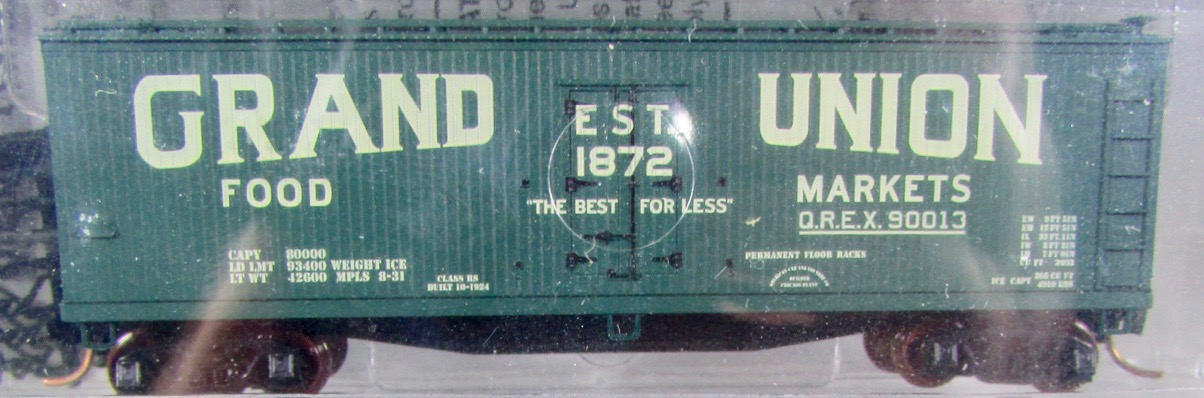 N Scale - Micro-Trains - NSC 02-18 - Reefer, Ice, 40 Foot, Wood - Grand Union Food Markets - 90013