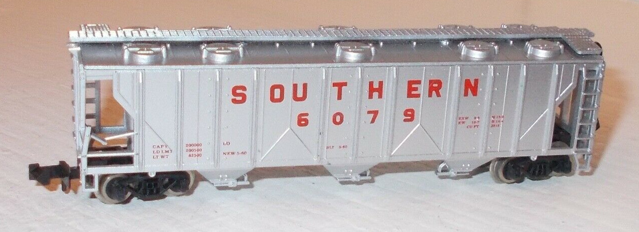 N Scale - Atlas - 3722 - Covered Hopper, 3-Bay, PS2 2893 - Southern - 6079