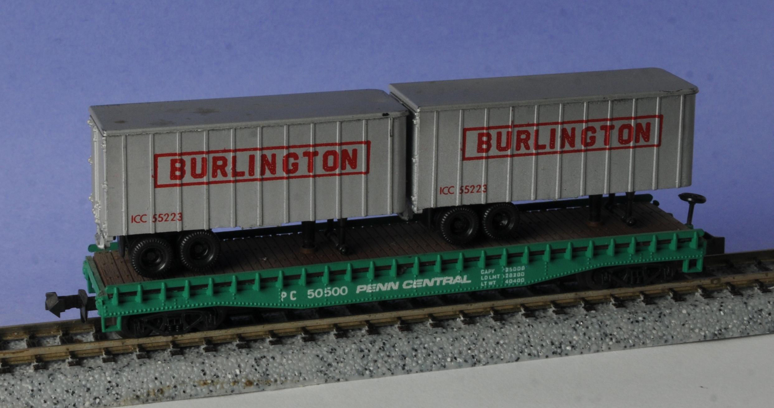 N Scale - Aurora Postage Stamp - 4844-225 - Flatcar, 50 Foot - Penn Central - 50500