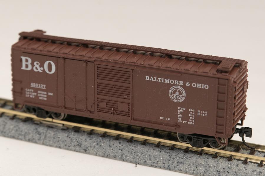 N Scale - Con-Cor - 0001-015067 - Boxcar, 40 Foot, Combo Door - Baltimore & Ohio - 450135