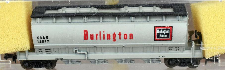 N Scale - AHM - 4441C - Covered Hopper, 4-Bay, ACF Centerflow - Burlington Route - 18517