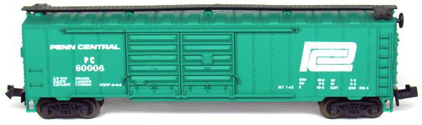 N Scale - Aurora Postage Stamp - 4868-225 - Boxcar, 50 Foot, Steel, Double Door - Penn Central - 80006