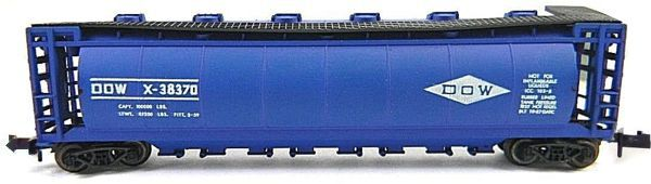 N Scale - Aurora Postage Stamp - 4866-370 - Covered Hopper, 60 Foot, Cylindrical - Dow - X-38370